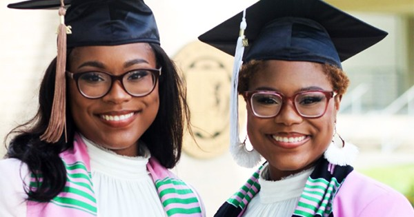 Twin Sisters Make History, Graduate From College Together at 20
